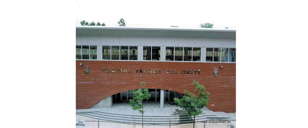 Piscinas Municipales en el Parque del Oeste, Oviedo, Asturias